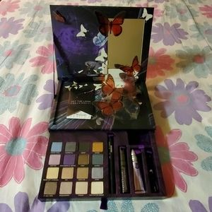 Urban Decay Book of Shadows IV (Limited Edition)